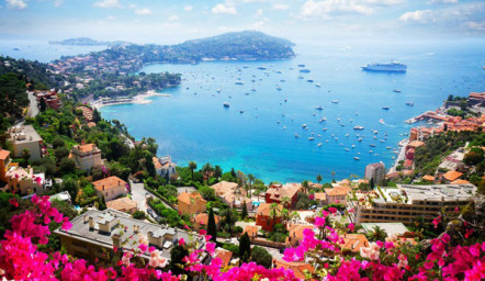 Rent a yacht to enjoy the Indian summer on the French Riviera!